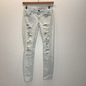 AMERICAN EAGLE OUTFITTERS Distressed Jeans 2